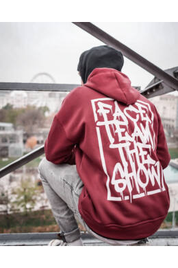 Piros Graffiti pulóver